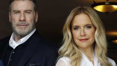 Photo of Actress Kelly Preston, John Travolta's wife, dead at 57