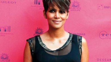 Photo of Halle Berry sorry and steps away from transgender role