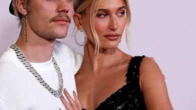 Photo of Hailey Bieber apologises after restaurant hostess says she's 'not nice'