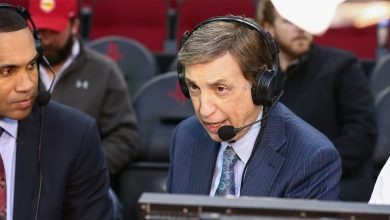 Photo of Marv Albert won't take part in TNT's NBA coverage on-site in Orlando