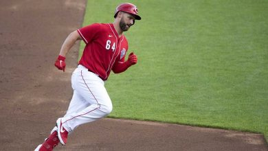 Photo of Reds' Matt Davidson tests positive for COVID-19 after Opening Day