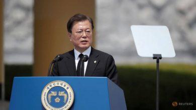 Photo of South Korea's Moon shuffles top aides in bid to revive North Korea talks
