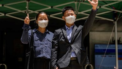 Photo of Couple Charged With Rioting After Hong Kong Protest Are Found Not Guilty