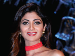 Photo of Shilpa Shetty goes vegetarian for the environment