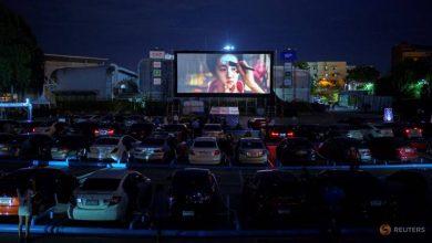 Photo of Thais flock to new drive-in cinema amid coronavirus