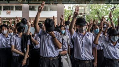 Photo of Thai Students Protest the Military