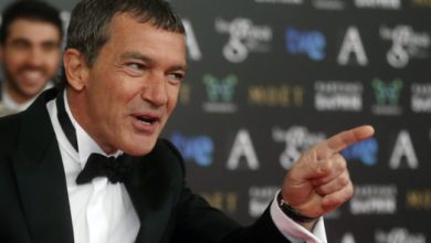 Photo of Antonio Banderas is COVID free and has the photo to prove it