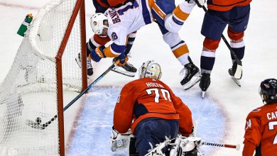 Photo of Islanders Advance in N.H.L. Playoffs Past Washington Capitals