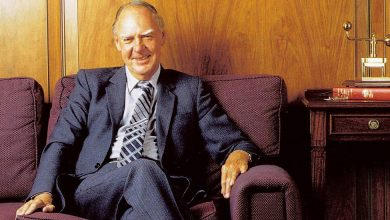 Photo of Ian McRae, Who Brought Electricity to Black South Africa, Dies at 90