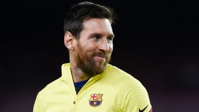 Photo of Lionel Messi: Barcelona star back at training after decision to stay
