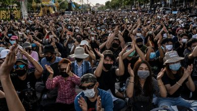 Photo of Protests Grow in Thailand, Where Speaking Out Can Be Perilous
