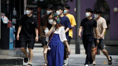 Photo of Seoul mandates face masks as South Korea battles COVID-19 spike