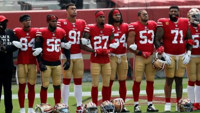 Photo of Several N.F.L. Players Protest Racism and Hate as Season Begins