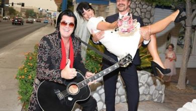 Photo of David Harbour and Lily Allen married by Elvis in Vegas