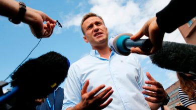 Photo of Russia Spins Alternative Theories in Poisoning of Navalny