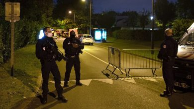 Photo of French Kill Man After a Fatal Knife Attack on the Street