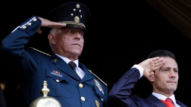 Photo of Salvador Cienfuegos, Mexico's Ex-Defense Minister, Is Arrested in L.A.