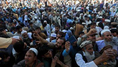 Photo of Afghans jostling for visas spark stampede, killing at least 15