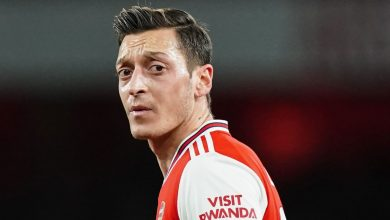 Photo of Mesut Ozil: Arsenal star 'deeply disappointed' by squad omission