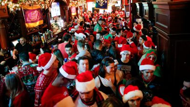 Photo of NYC SantaCon Organizers: 'Remain Home and Stay on the Good List'