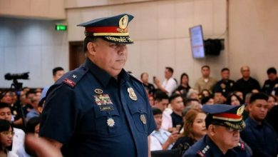 Photo of Philippines' Duterte absolves police chief over COVID-19 lockdown birthday party