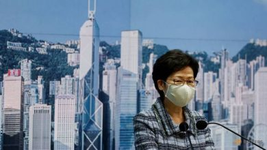 Photo of Hong Kong leader to travel to Beijing to seek economic aid