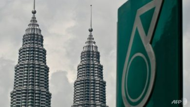 Photo of Malaysia's Petronas steps up investments in hydrogen as part of carbon-free energy goals