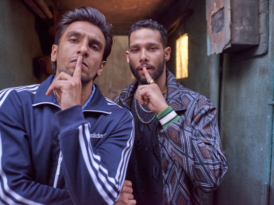 Ranveer-Singh-and-Siddhant-Chaturvedi-gULLY-1551017868404